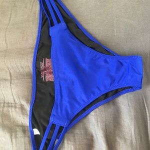 Victoria's Secret swimsuit bottoms SIZE M
